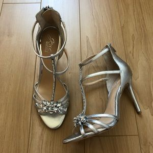 Badgley Mischka Jewel T-Strap Silver Heels